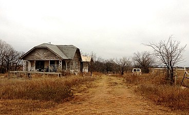 Deserted homestead, Orlando, OK.jpg