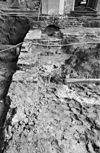 detail opgravingen in viering en middentransept gezien naar het oosten - grave - 20083936 - rce