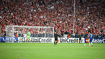 210px-Didier_Drogba_Manuel_Neuer_last_penalty_kick_Champions_League_Final_2012
