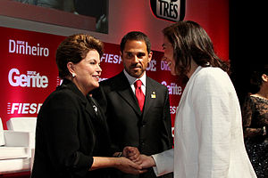 """Lília Cabral - Lília (right) meets Brazilian president Dilma Rousseff (left) at the """"Person of the year"""" event."""