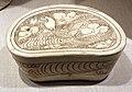 Dinastia song del nord, cuscino ceramico a fagiolo, con disegno di pappagalli, xi secolo.jpg