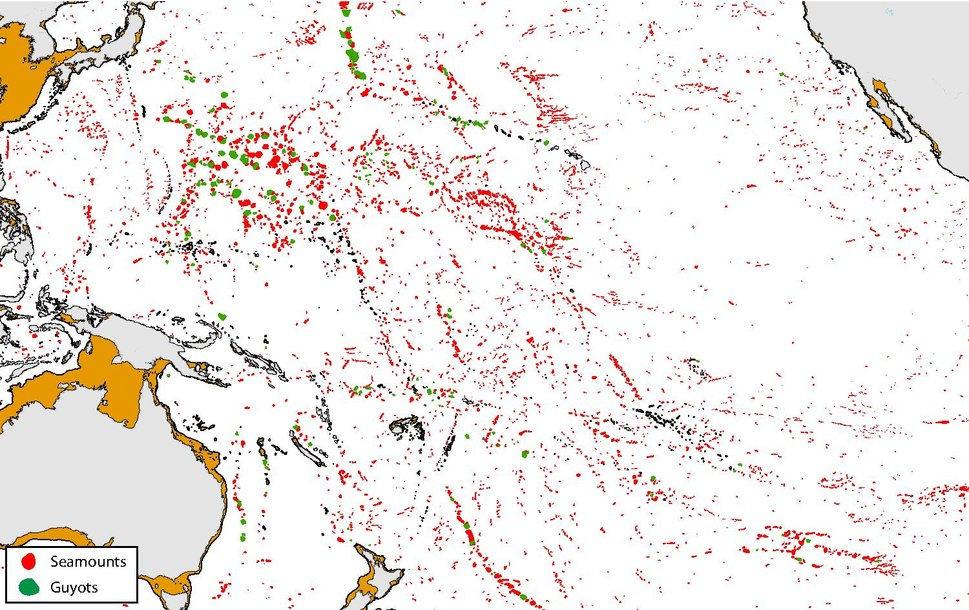 Distribution of seamounts and guyots in the North Pacific.pdf