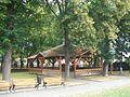 Divín - altánok v parku.jpg