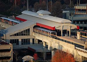 Dunwoody station - Image: Dunwoody MARTA transit station