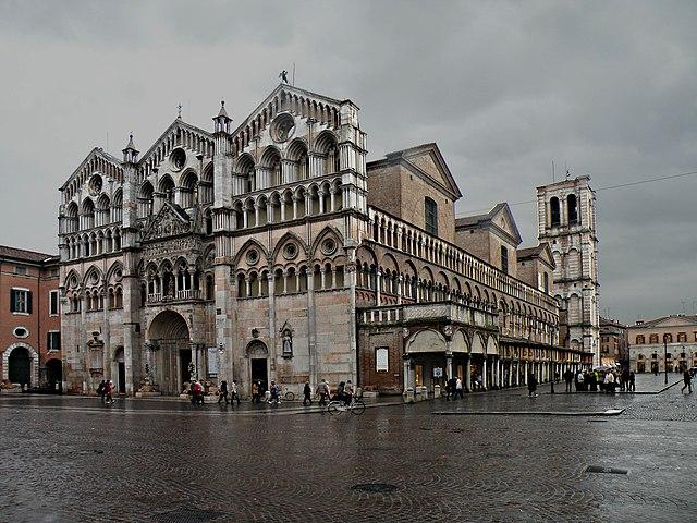 https://upload.wikimedia.org/wikipedia/commons/thumb/d/d1/Duomo_San_Georgio_%28Ferrara%29.jpg/640px-Duomo_San_Georgio_%28Ferrara%29.jpg