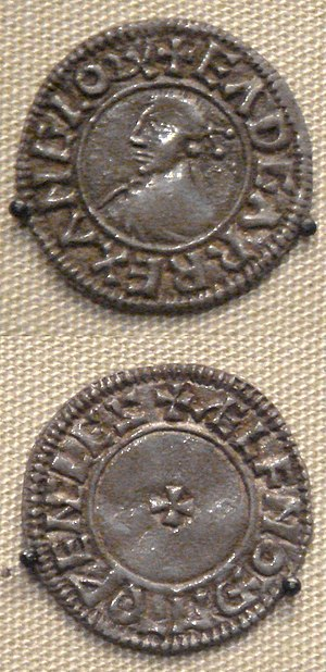 Edgar the Peaceful - A coin of Edgar, struck in Winchcombe (c. 973-75).