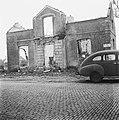 Een van de 105 huizen die door de Duitsers in brand zijn gestoken als represaill, Bestanddeelnr 901-0092.jpg