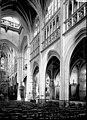 Eglise - Nef vue de l'entrée, vue diagonale - Argentan - Médiathèque de l'architecture et du patrimoine - APMH00034982.jpg