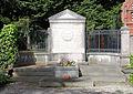 Ehrengrab Lindenstr 1 (Zehld) Hermann Helmholtz.jpg