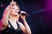 Ellie Goulding - Ilosaarirock 2014 1.jpg