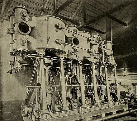One of Massachusetts' two triple-expansion engines Engines of USS Massachusetts (BB-2).jpg
