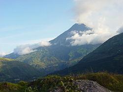 Vue du Tungurahua depuis le nord en 2004.