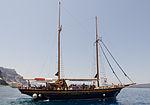Excursion boat - Ormos port - Fira - Santorini - Greece - 02.jpg