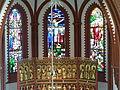 Fenster im Altarraum.jpg