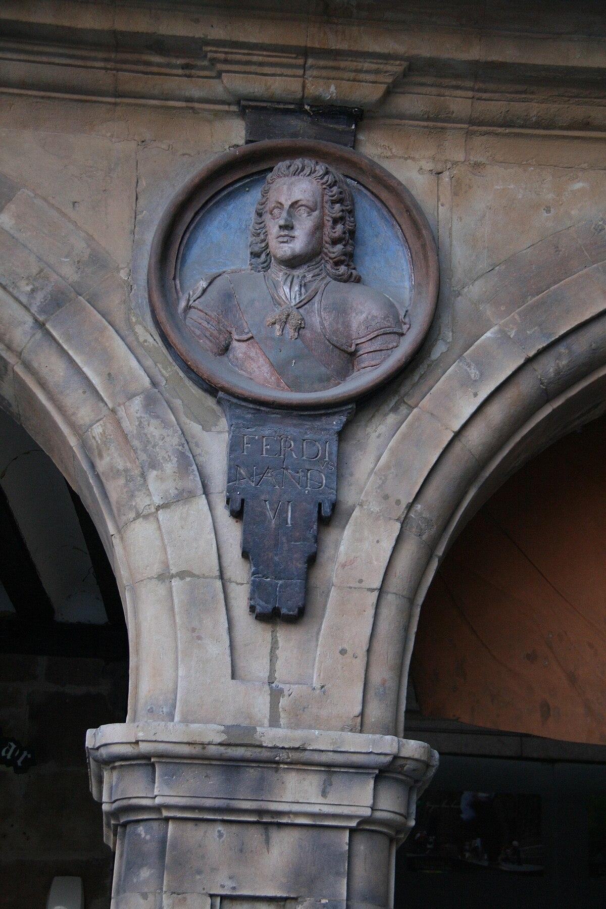 Fernando VI-Plaza Mayor de Salamanca.jpg