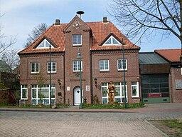 Feuerwehrgerätehaus am Dorfplatz im Stadtteil Klausdorf der Stadt Schwentinental