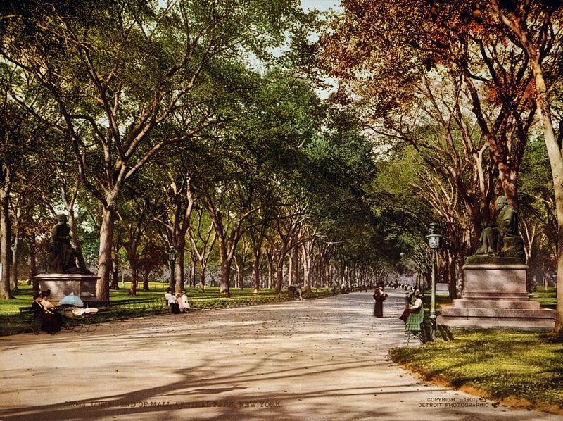 Flickr - %E2%80%A6trialsanderrors - Lower end of mall, Central Park, New York City, 1901.jpg