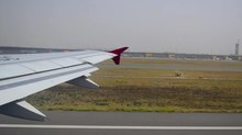 Tập tin:Flight taking off.webm