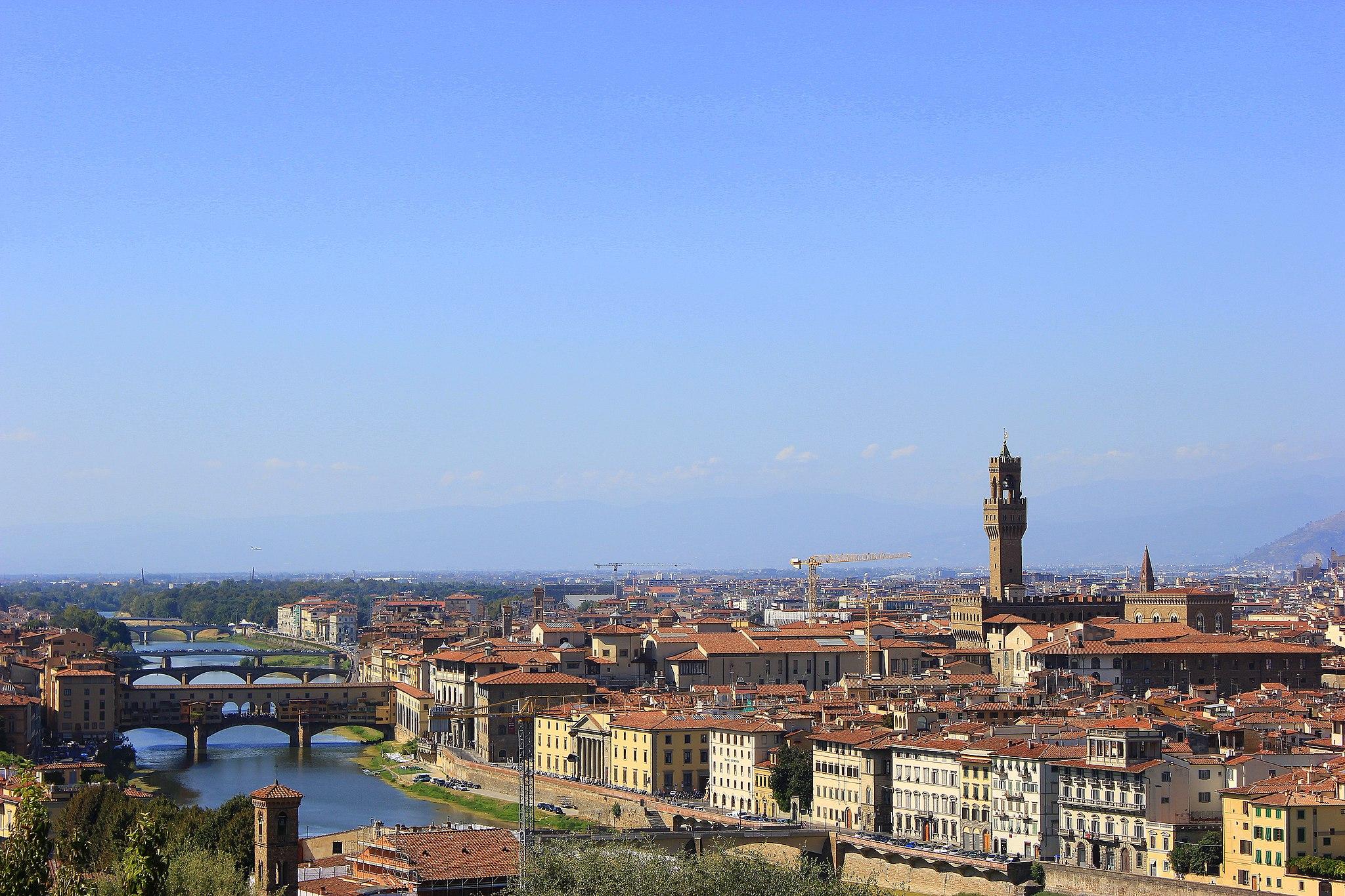 Piazzale Michelangelo, con veduta del Ponte Vecchio e di Palazzo Vecchio