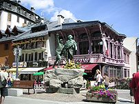 Statue of de Saussure in town centre