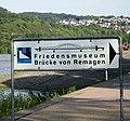 Friedensmuseum Brücke von Remagen, Hinweisschild 2006.jpg