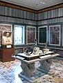 Getty Villa - Ancient Roman Artefacts Room.JPG
