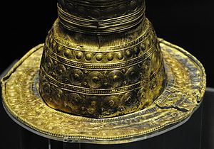 Berlin Gold Hat - Berlin Gold Hat, Detail