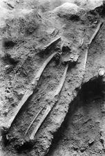 Grav 11, efterbegravning. Vouni. skelett. Galini - SMVK - C00554.tif