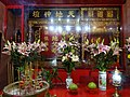 HK STT Shek Tong Tsui 屈地街 Whitty Street Wing Wah Mansion 天福慈善社 red Temple flowers July-2015 DSC.JPG
