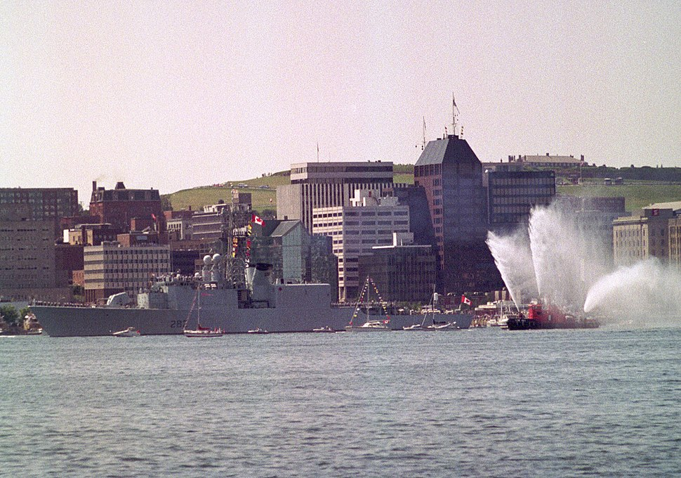 HMCS ATHABASKAN F-282, Halifax NS, August 1990. (5499564589)