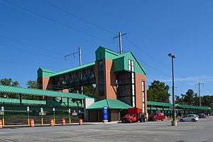 Halethorpe MARC station, August 2013.jpg