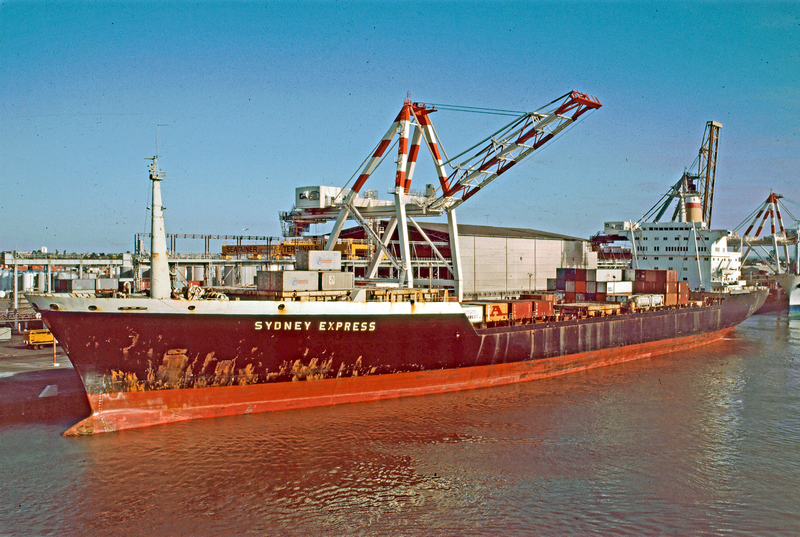 File:Hapag Lloyd container ship Sydney Express in the Australian port Melbourne - 1987.png