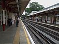 Harrow & Wealdstone stn Bakerloo DC platforms look south.JPG