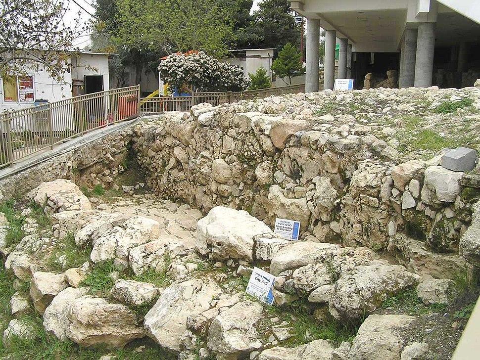 Hebron136