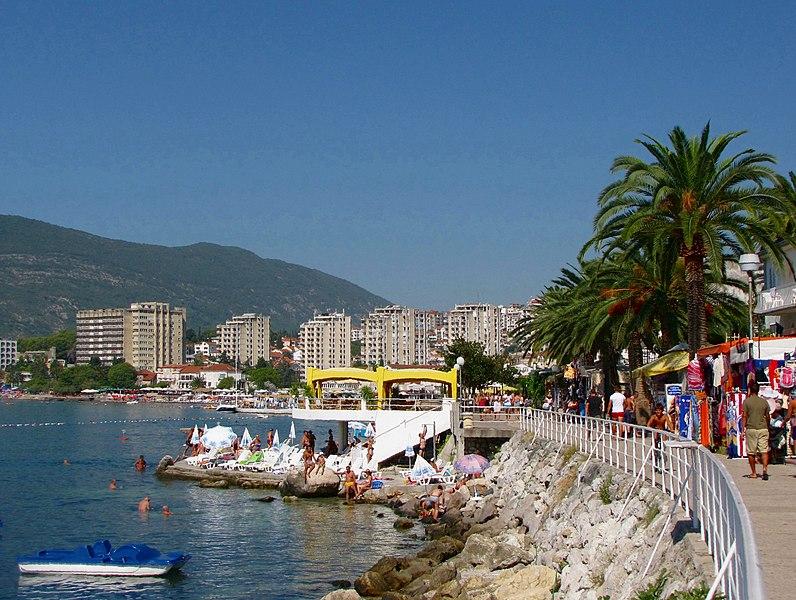File:Herceg - Novi. The city's waterfront - panoramio.jpg