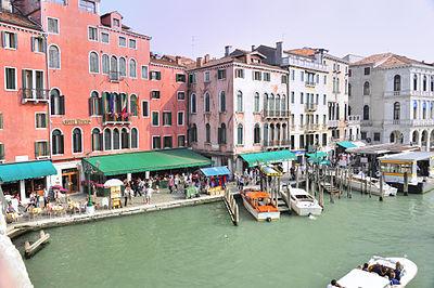 Hotel Ca Sagredo - Grand Canal - Rialto - Venice Italy Venezia - Creative Commons by gnuckx (4965623671).jpg