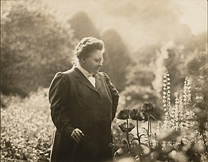 Amy Lowell - Lowell at Sevenels, circa 1916
