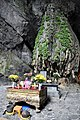 Houng Tich Cave, site of the Perfume Pagoda, northern Vietnam (10) (24646606238).jpg