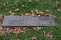 Howe grave 02 - Lake View Cemetery - 2014-11-26 (15724205129).jpg