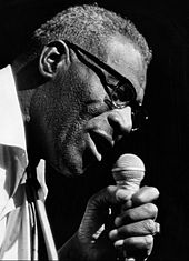 Picture of Howlin' Wolf performing in 1972