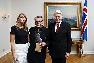 Reykjavík International Film Festival - Forman was given an award for his lifetime achievement by the president of Iceland in 2009.