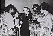 השגריר מיכאל ארנון (במרכז) בקבלת פנים לרגל יום העצמאות של ישראל בשגרירות גאנה, 1964