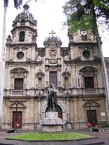 220px-Iglesia_de_San_Ignacio-Fachada-Medellin.JPG