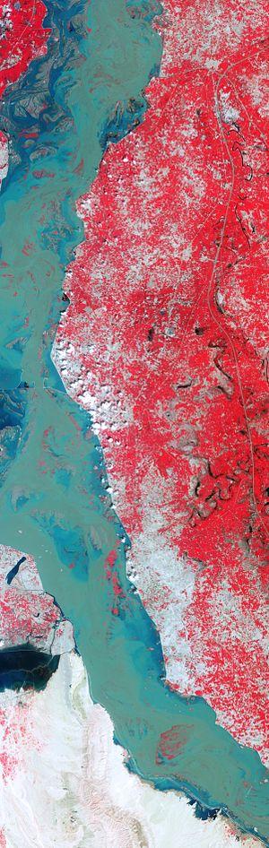Lake Manchar - False-color image of the flooded lake on the left side of swollen Indus River during 2010 Pakistan floods