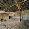 Interieur schuur, overzicht met dakconstructie en gebinten - Vierlingsbeek - 20337108 - RCE.jpg