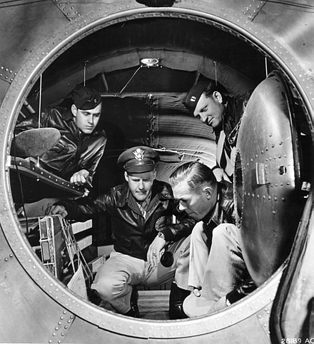 Interior photo of the rear pressurized cabin of the B-29 Superfortress, June 1944 Interior of a B-29 Superfortress bomber.jpg