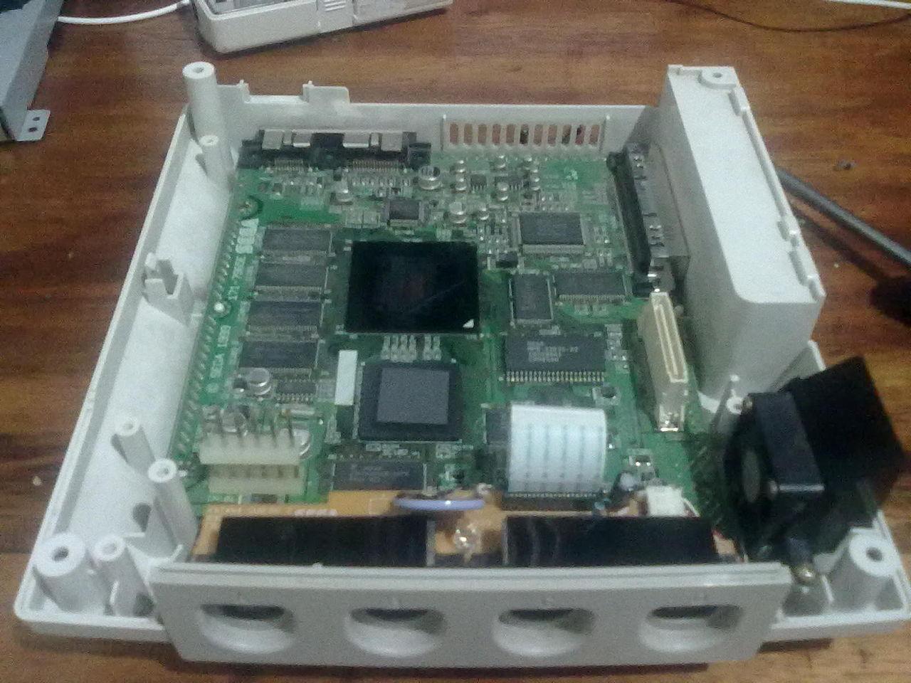 [HILO OFICIAL]Sega Dreamcast 1280px-Interior_sega_dreamcast