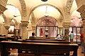 Interno della cripta della Basilica di San Nicola (6).jpg