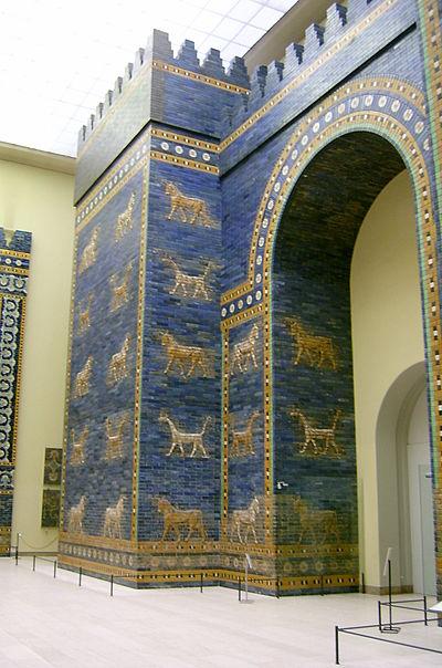 ペルガモン博物館に復元展示されているイシュタル門