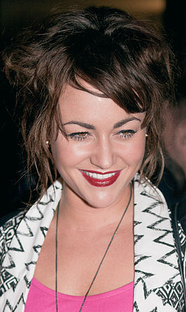 Jaime Winstone cropped to neck.jpg